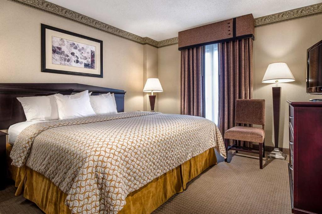 ‪Embassy Suites by Hilton Atlanta - Alpharetta‬