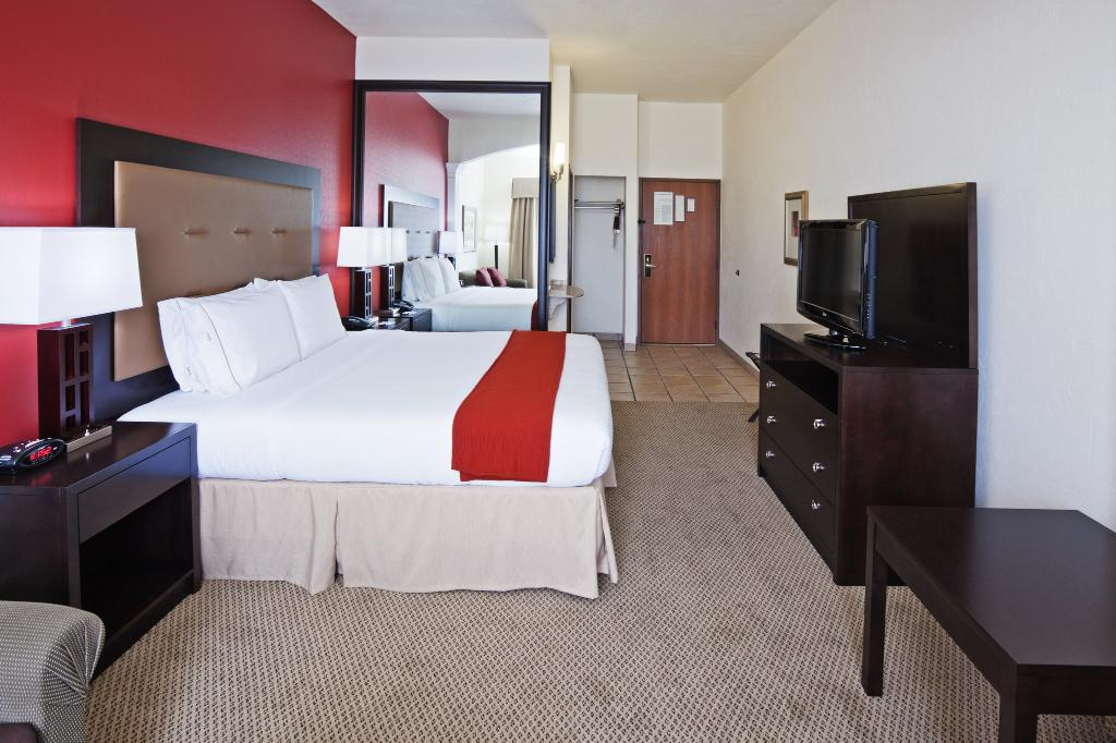 Holiday Inn Express Oklahoma City-Penn Sq