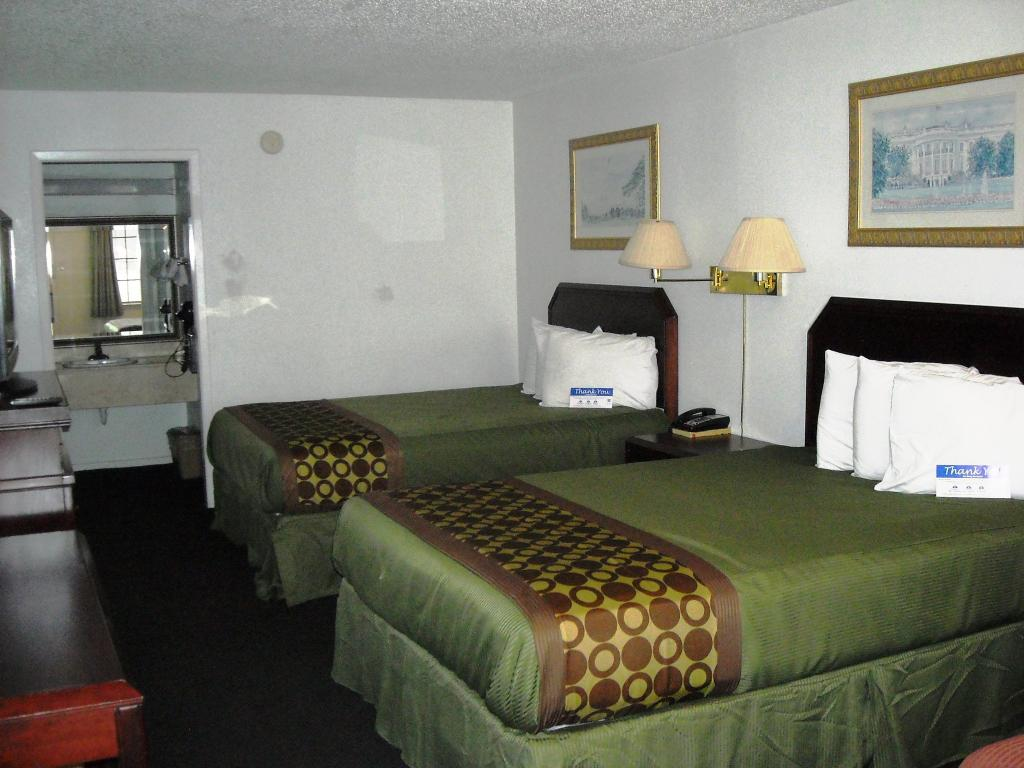 Americas Best Value Inn - Bonham