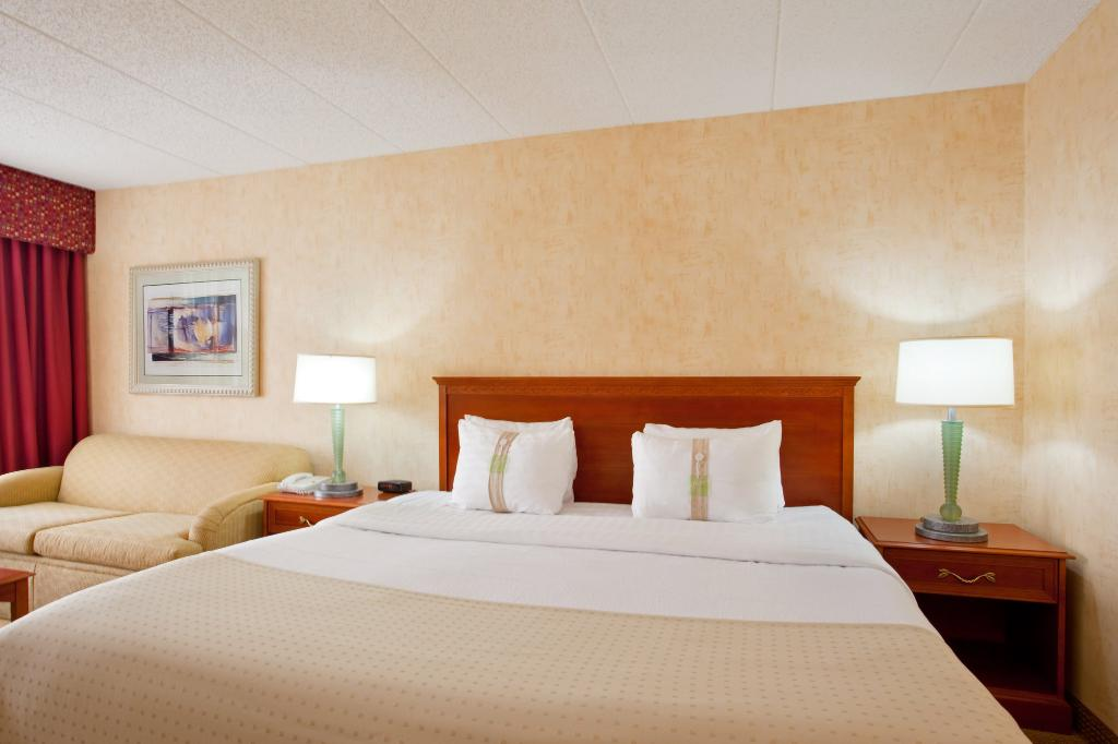 Holiday Inn Chicago - Crystal Lake