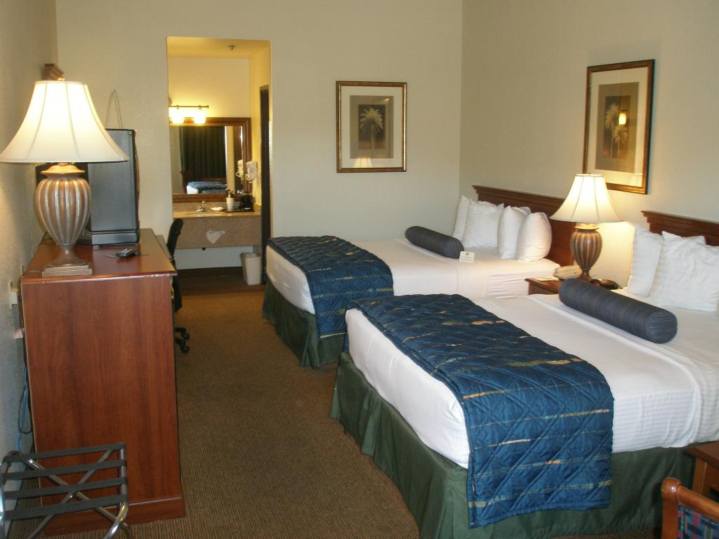 BEST WESTERN Quail Hollow Inn