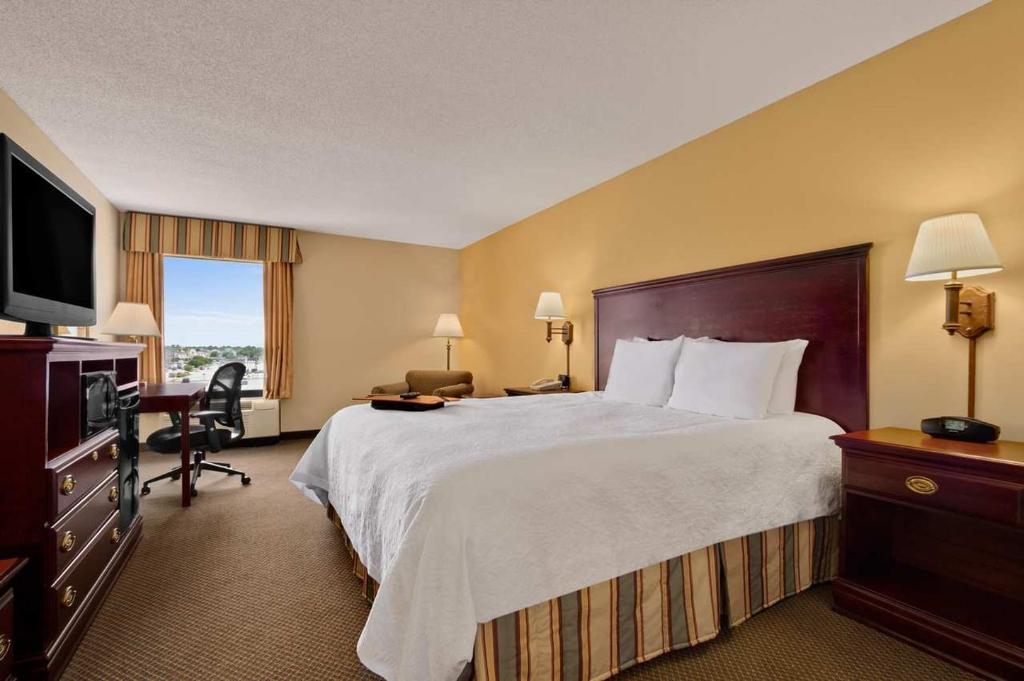 ‪Hampton Inn - Warner Robins‬