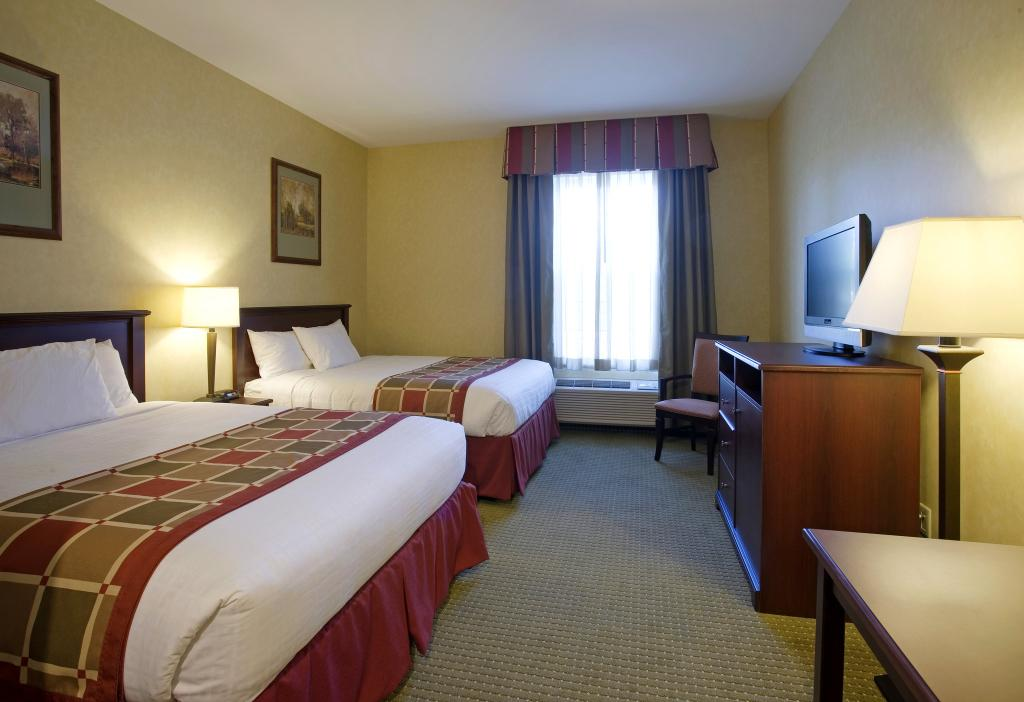 ‪BEST WESTERN PLUS Ticonderoga Inn & Suites‬