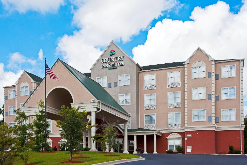 Country Inn & Suites By Car