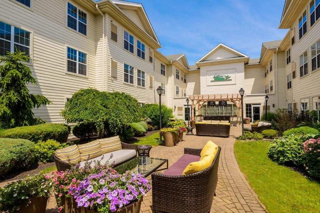 Homewood Suites by Hilton Buffalo Airport