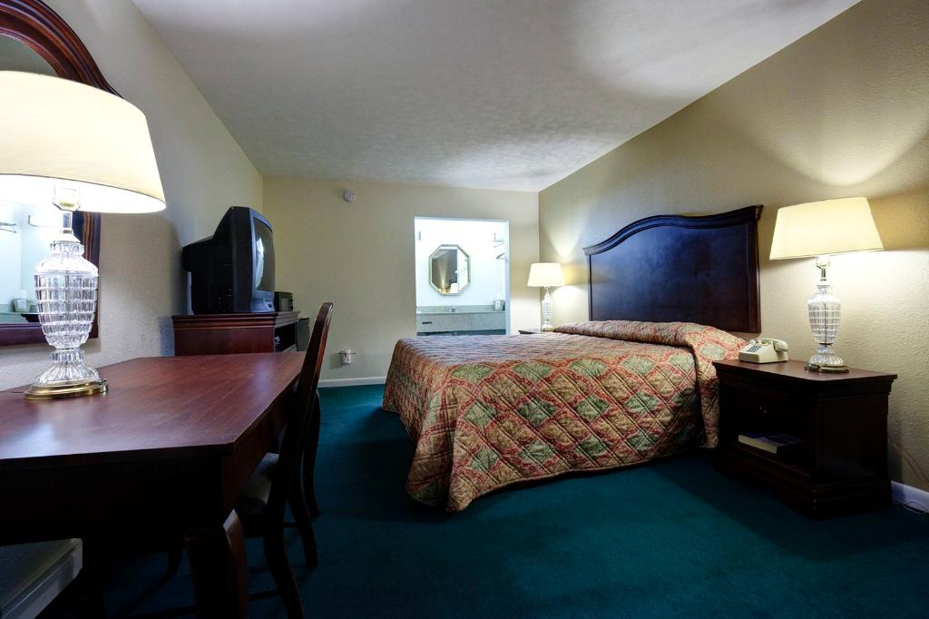 Americas Best Value Inn - Port Jefferson Station