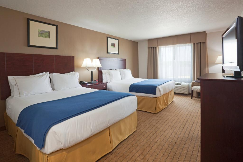‪Holiday Inn Express Hotel & Suites Antigo‬