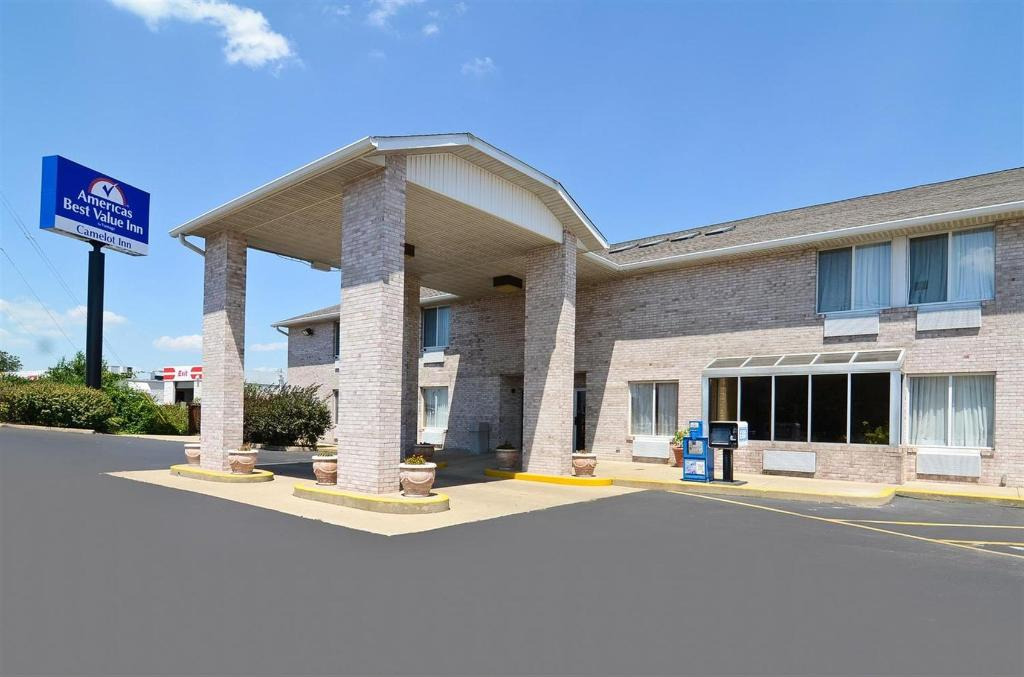 Americas Best Value Inn / Camelot Inn of Fairview Heights