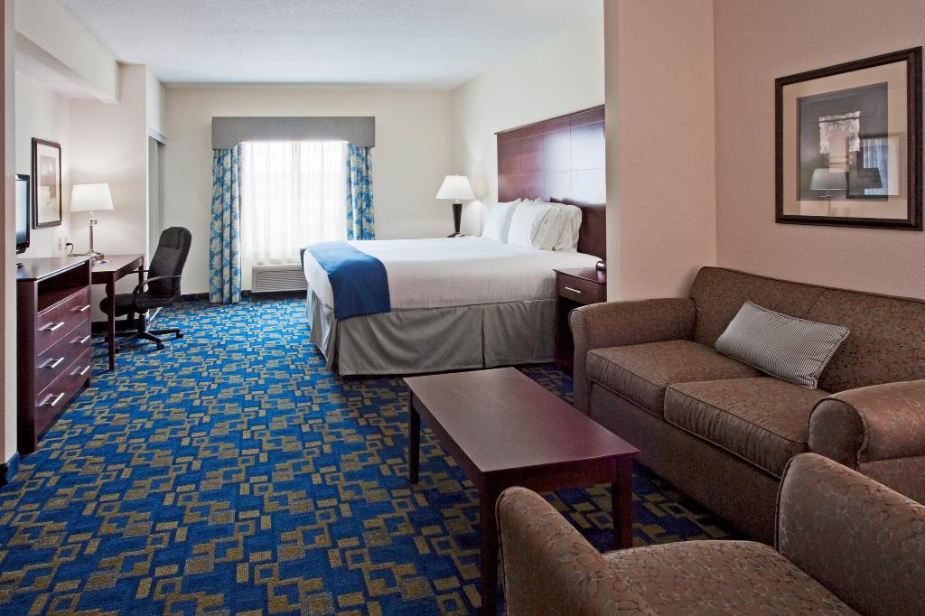 Holiday Inn Express Pembroke Pines-Sheridan St