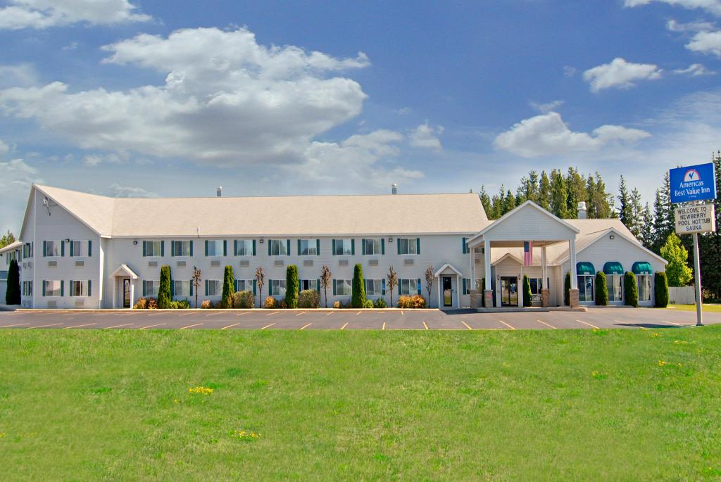 Americas Best Value Inn - Tahquamenon Country