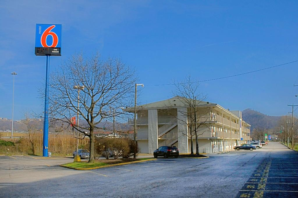 ‪Motel 6 Charleston East‬