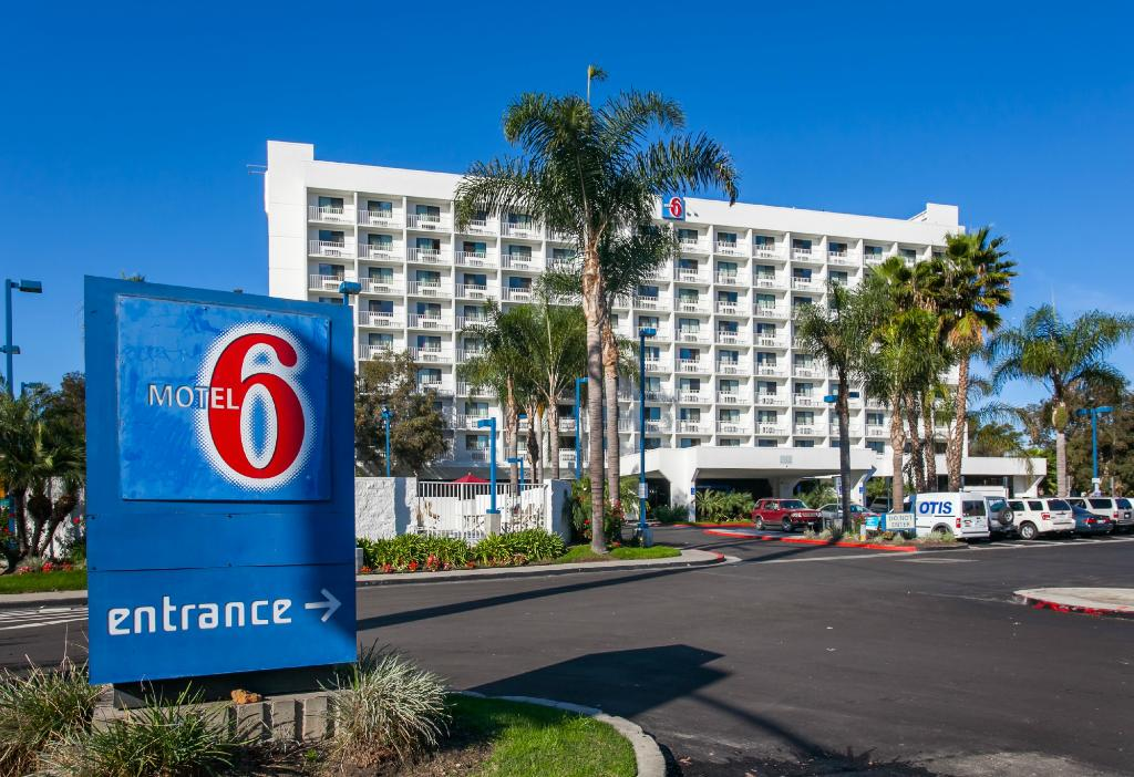 ‪Motel 6 Los Angeles LAX‬