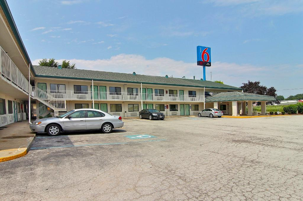 ‪Motel 6 Hammond‬