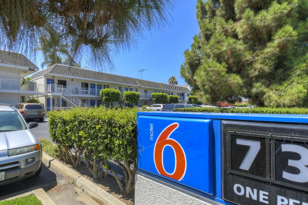 Motel 6 Carlsbad - Village