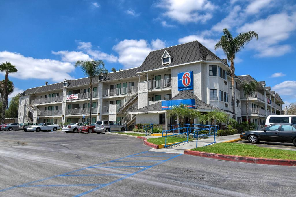 ‪Motel 6 Buena Park Knotts Berry Farm Disneyland‬