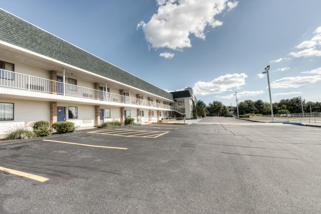 ‪Motel 6 New London - Niantic‬