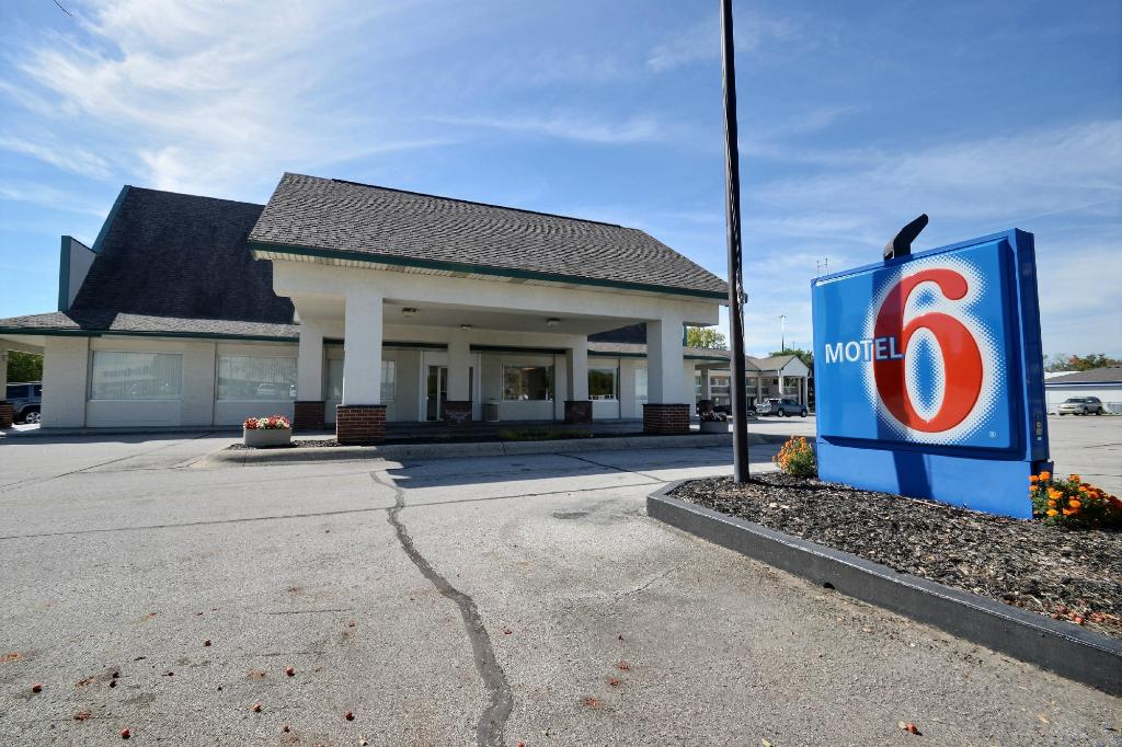 ‪Motel 6 Indianapolis South‬