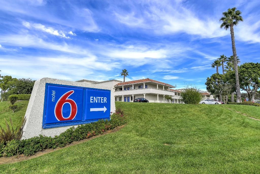 Motel 6 Carlsbad South