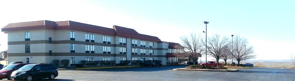 ‪Quality Inn & Conference Center‬