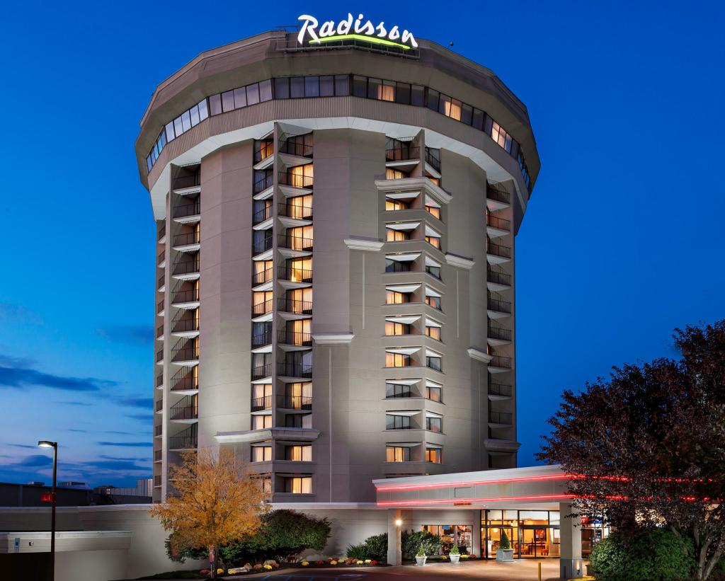 ‪Radisson Hotel Valley Forge‬