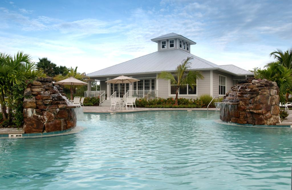 ‪GreenLinks Golf Villas at Lely Resort‬
