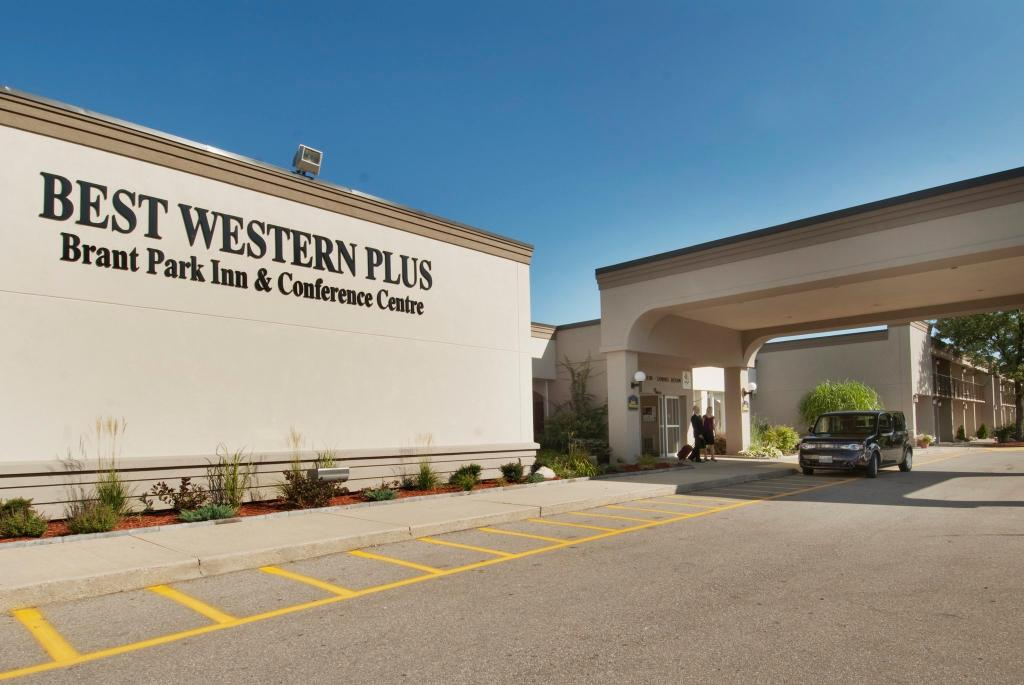 ‪BEST WESTERN PLUS Brant Park Inn & Conference Centre‬