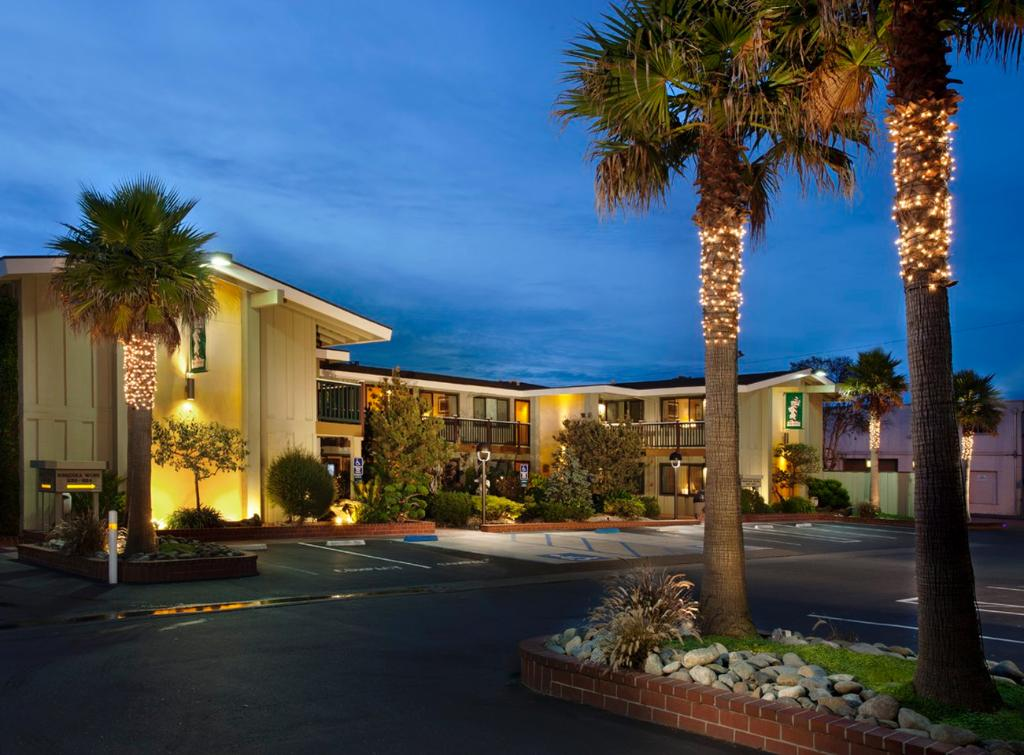 ‪BEST WESTERN PLUS Humboldt Bay Inn‬