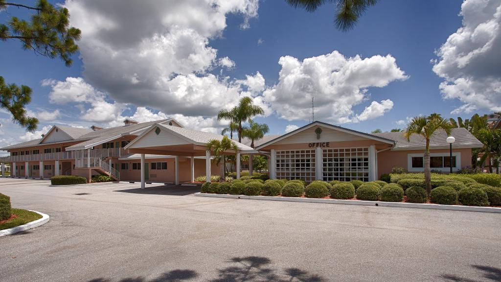‪BEST WESTERN Port St. Lucie‬