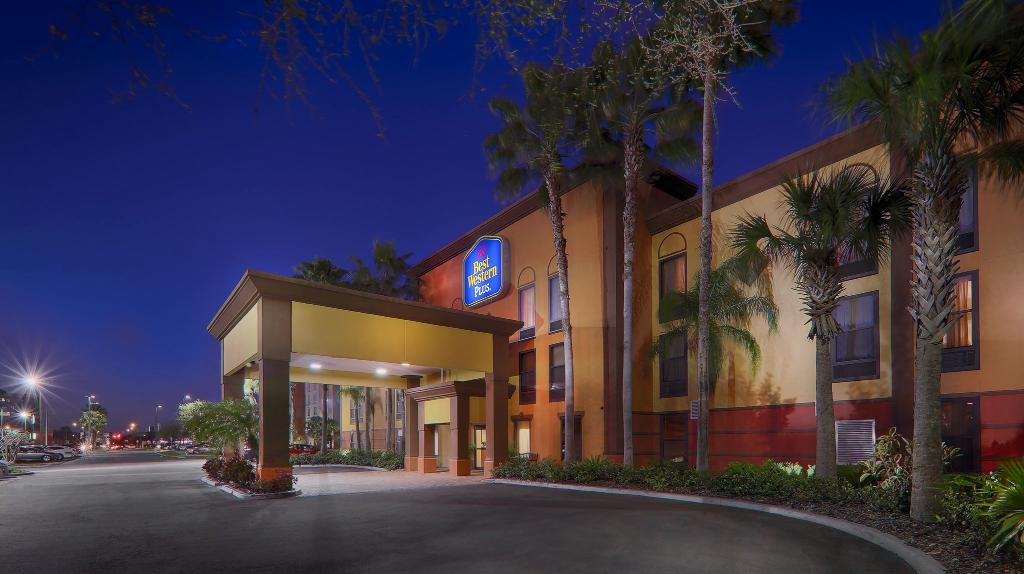 ‪BEST WESTERN PLUS Universal Inn‬