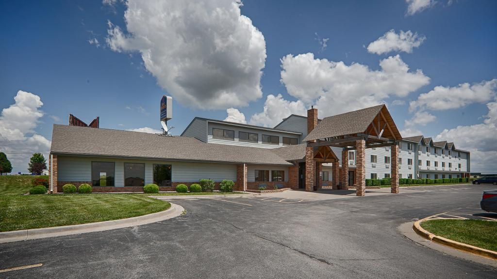 ‪Airport Inn & Suites, Platte City‬