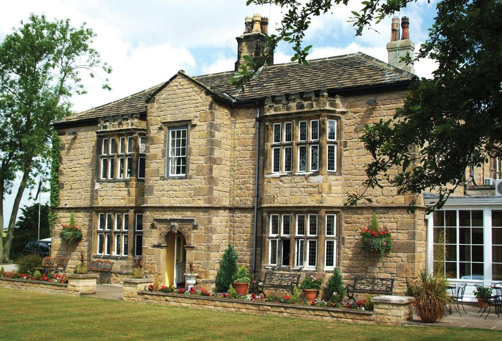 ‪BEST WESTERN Rogerthorpe Manor Hotel‬