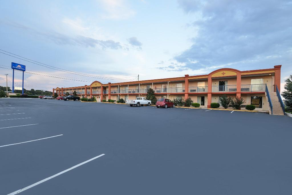 Americas Best Value Inn & Suites Williamstown
