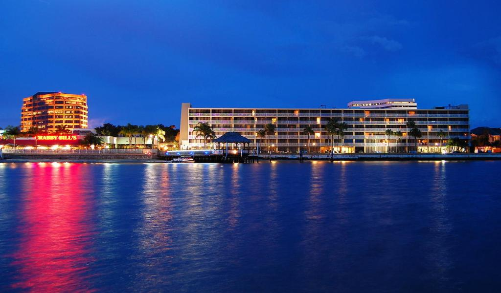 BEST WESTERN Bay Harbor Hotel
