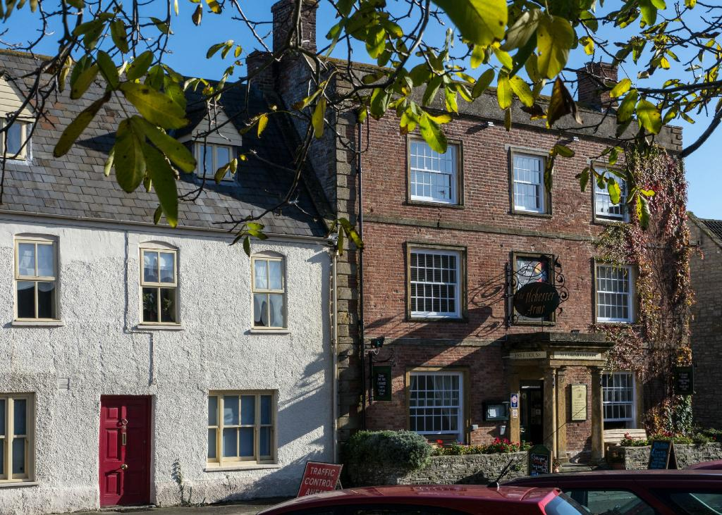 The Ilchester Arms Hotel