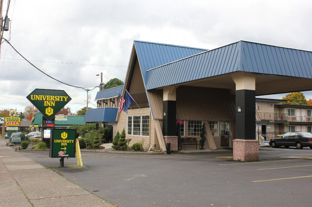 ‪Eugene University Inn & Suites‬