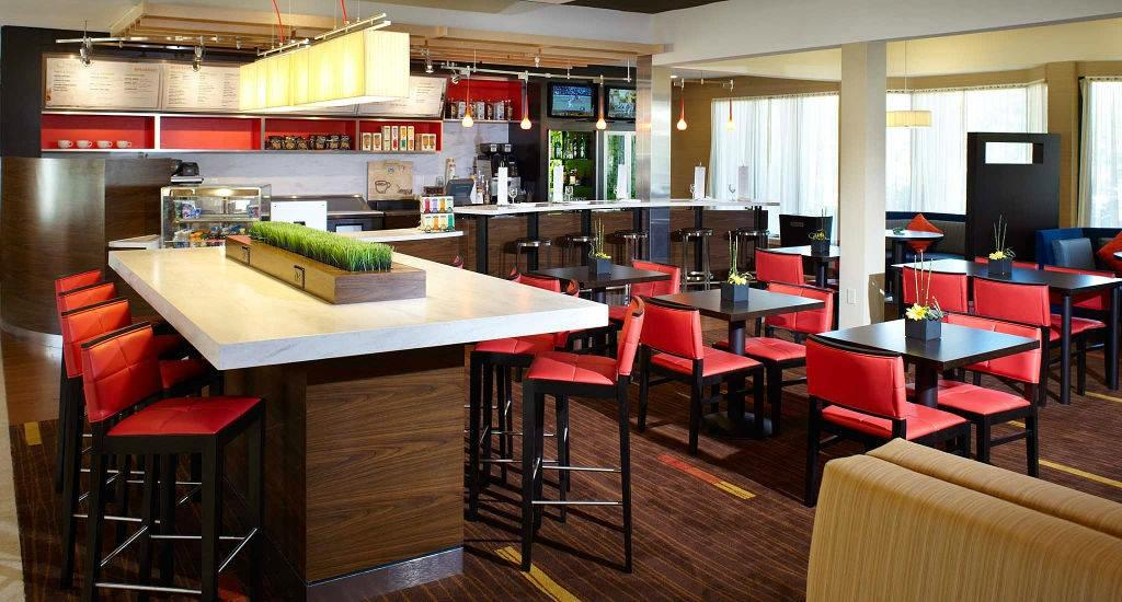 Courtyard by Marriott Louisville East