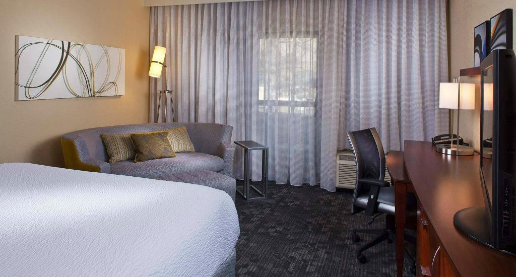 Courtyard by Marriott Charlottesville North