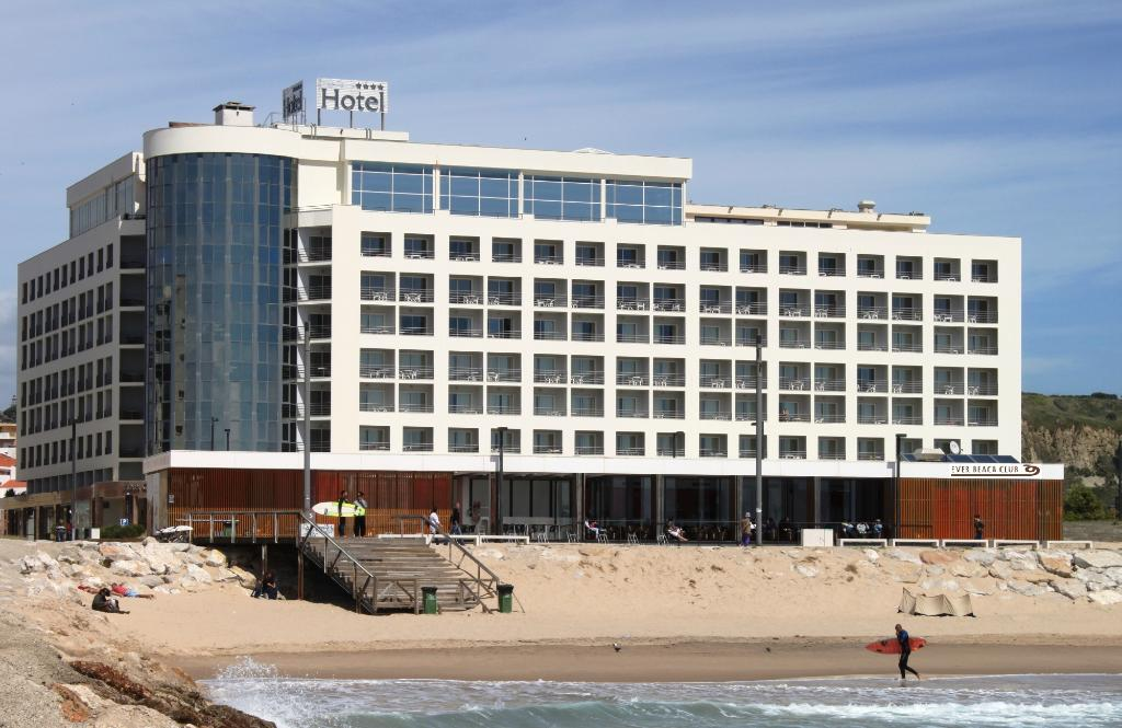 ‪Ever Caparica - Beach & Conference Hotel‬