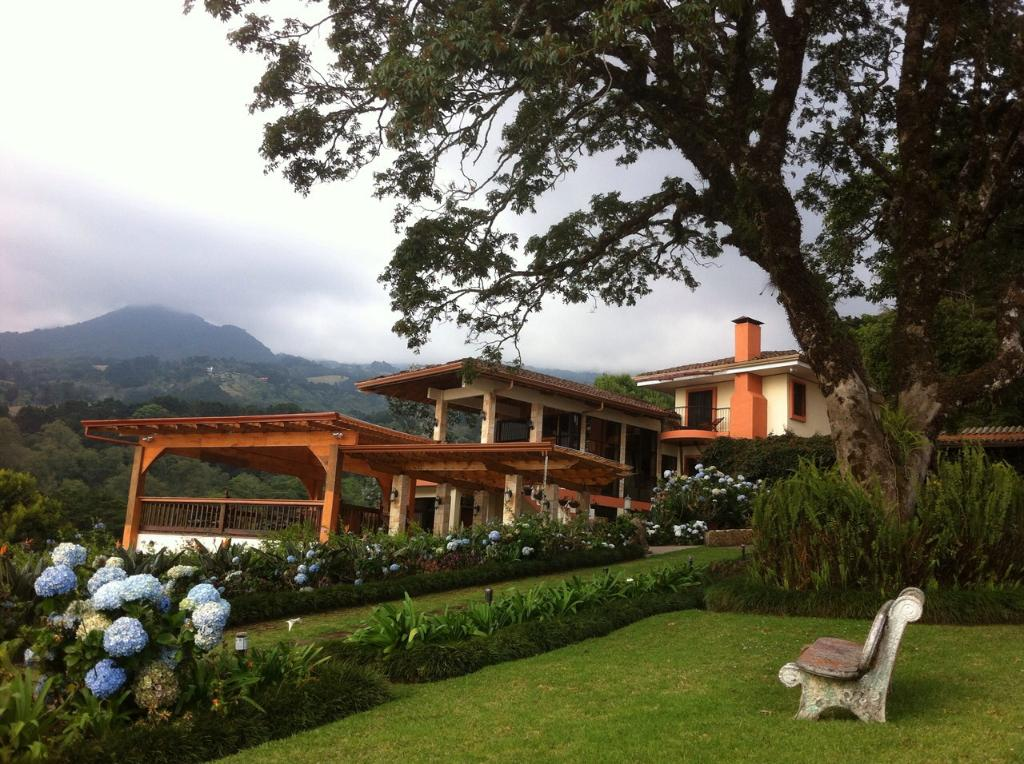 Finca Paraiso Mountain Retreat near San Jose Airport