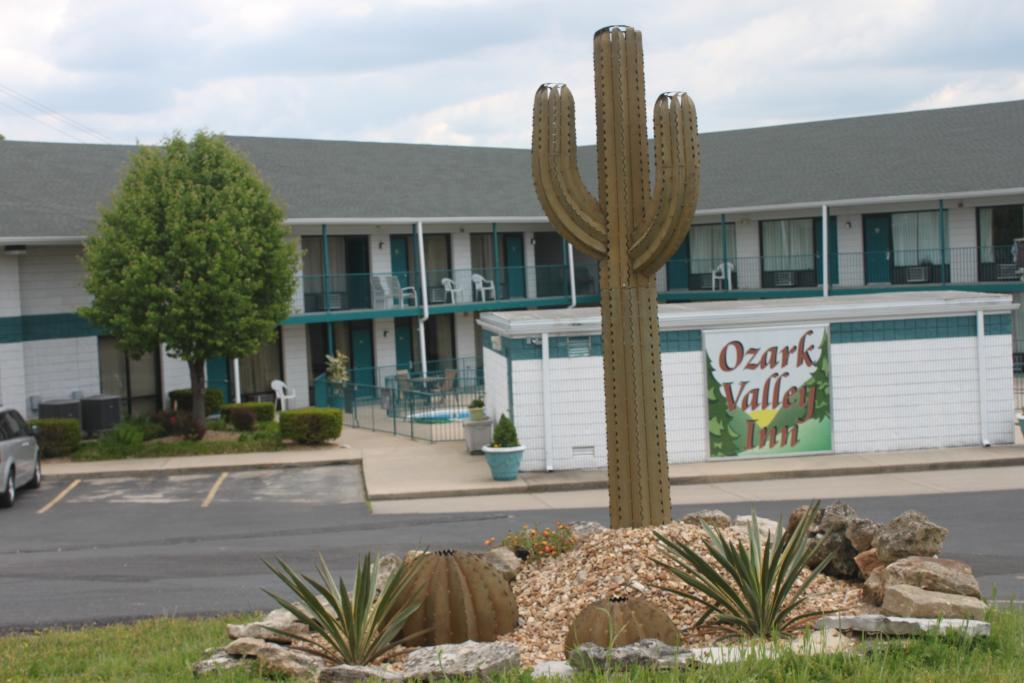 ‪Ozark Valley Inn‬