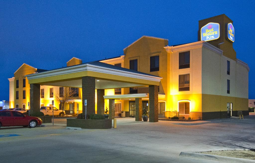 ‪BEST WESTERN PLUS Memorial Inn & Suites‬