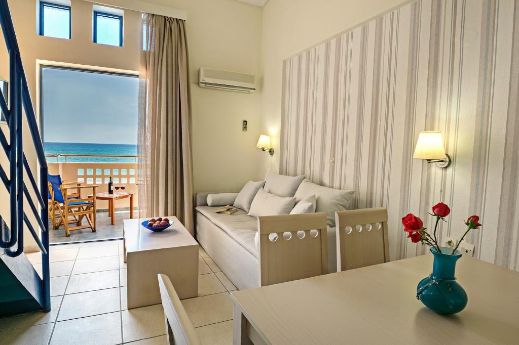 Esperia Beach Hotel Apartments