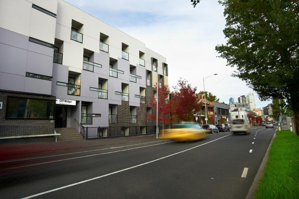 City Edge North Melbourne Apartment Hotel