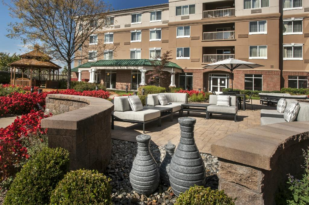 ‪Courtyard by Marriott Basking Ridge‬