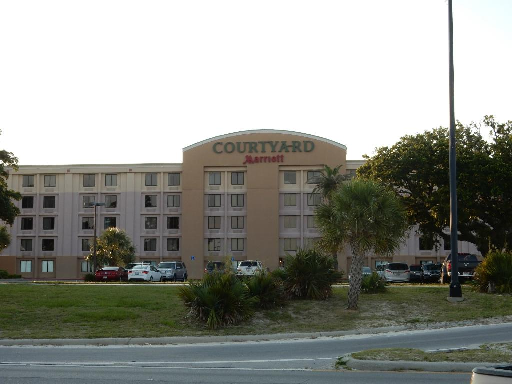 Courtyard Gulfport Beachfront