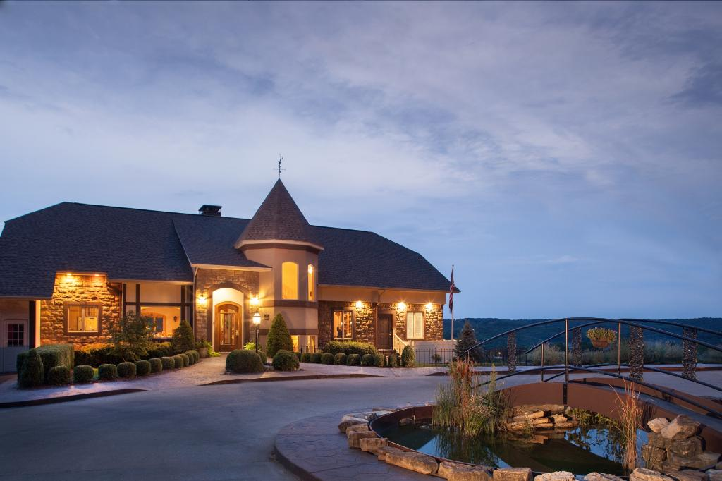 Hermann Hill Vineyard Inn & Spa and River Bluff Cottages