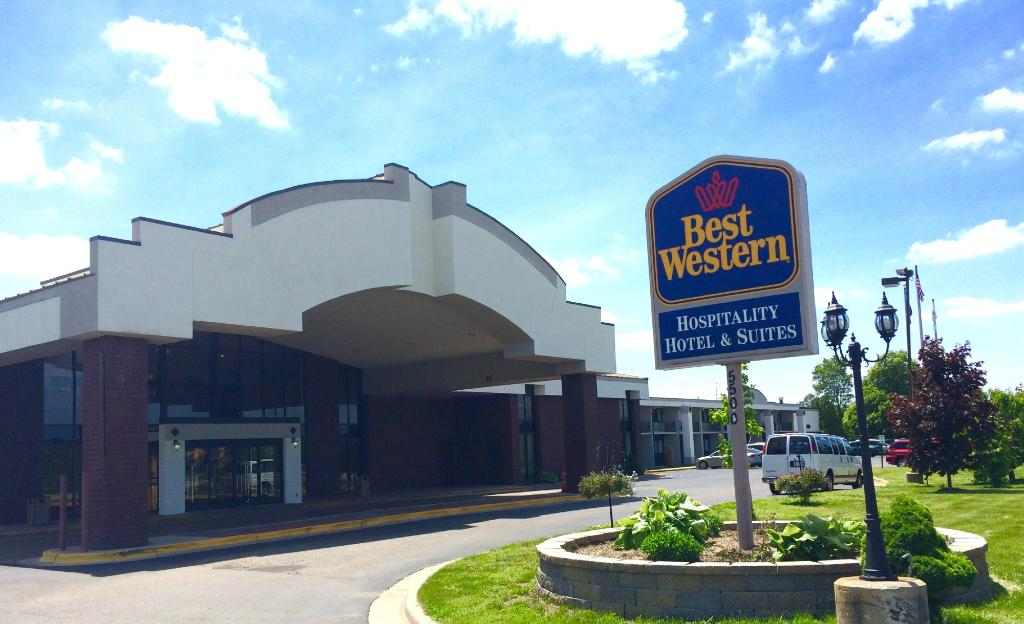‪BEST WESTERN Hospitality Hotel & Suites‬