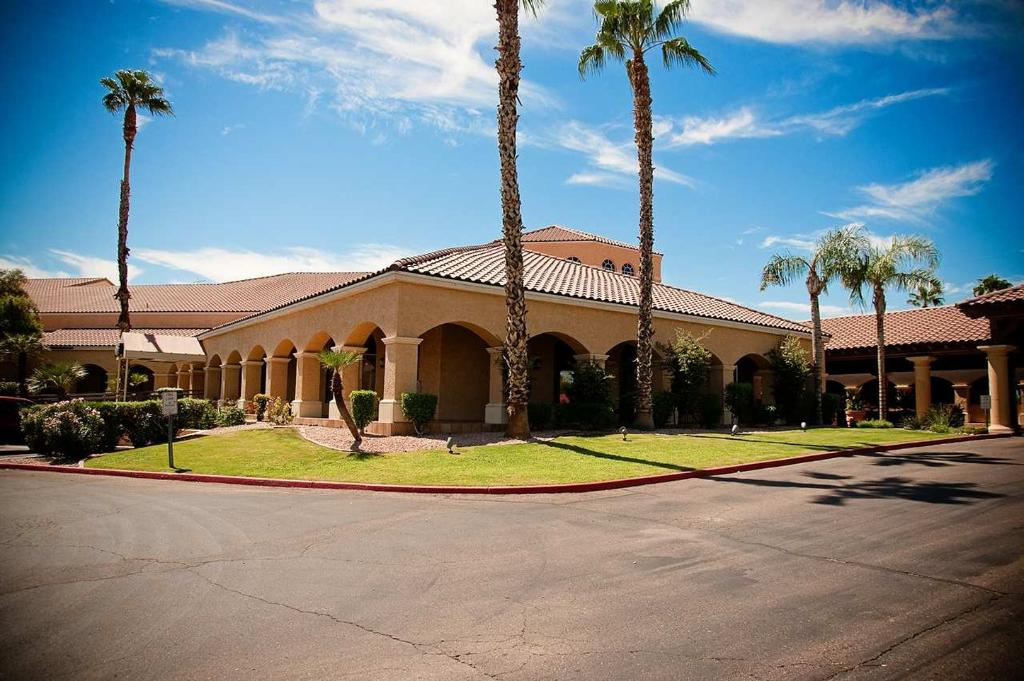 Embassy Suites by Hilton Phoenix North