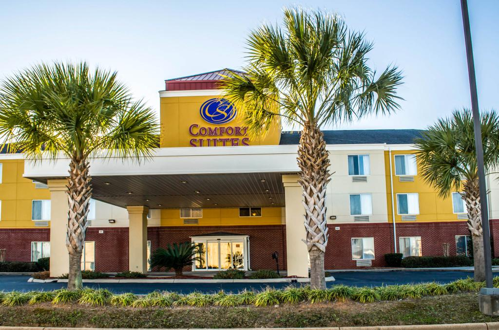 ‪Comfort Suites Foley‬