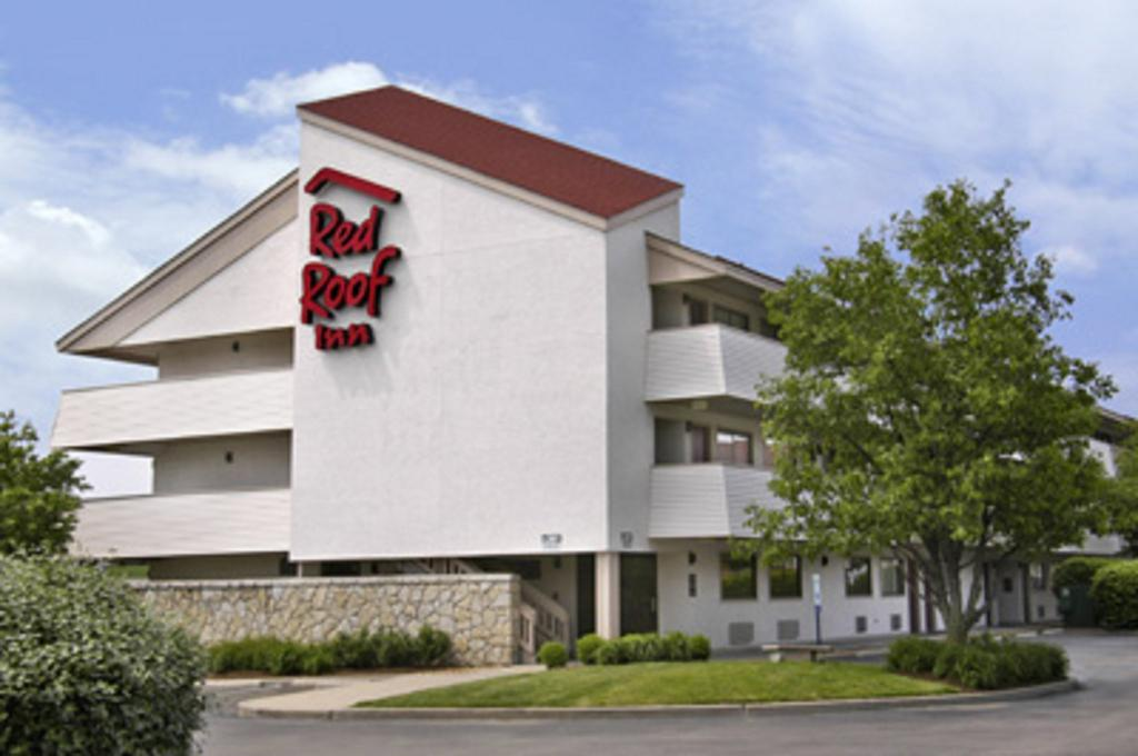 ‪Red Roof Inn St. Louis Westport‬